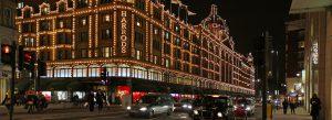 Harrods forside bygning markiser salg shopping handling London